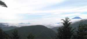 バカ尾根 富士山が雲海から